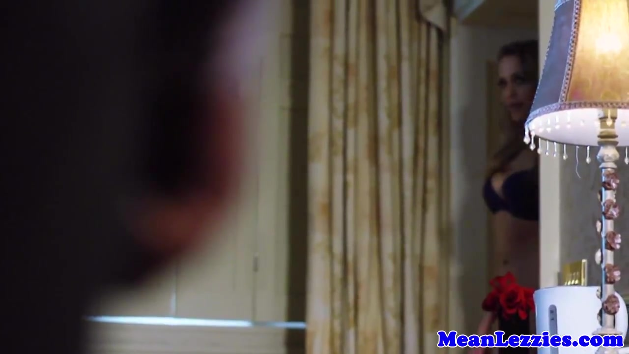 Sexy clip Bollywood video