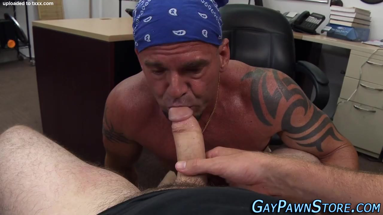 Buff amateur ass railed rreal milf in action