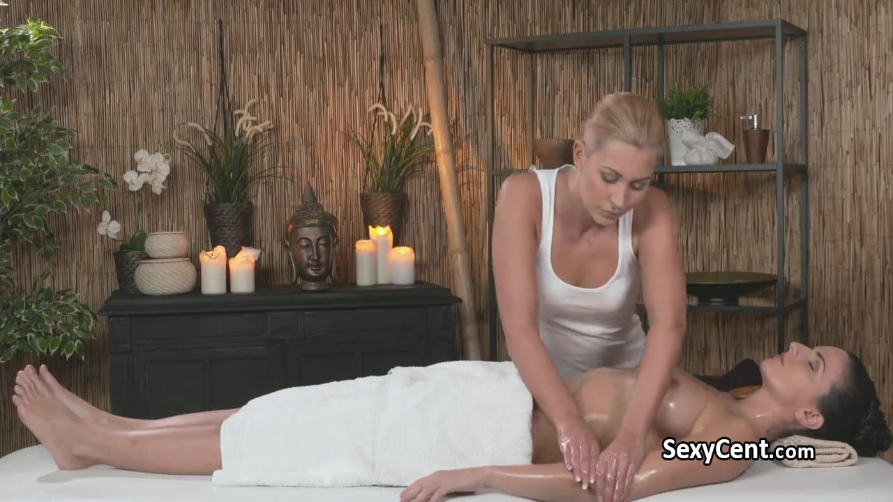 Lesbea fuckin Milf horney