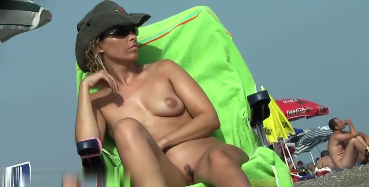 Delicious nudist milf cooch at the beach valerie bertinelli pictured nude