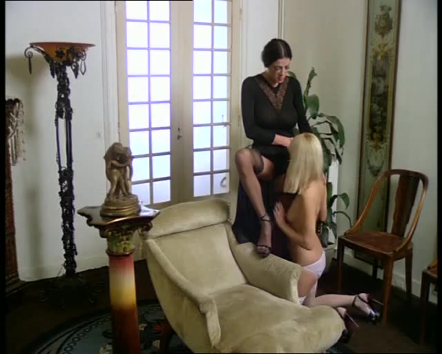 Orgasim homemade Latina lesbios