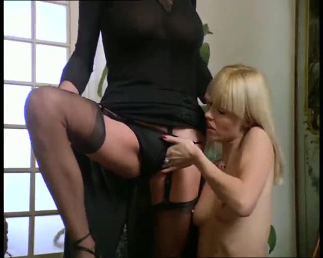 Lesbianas masturbates Grannie fuckd