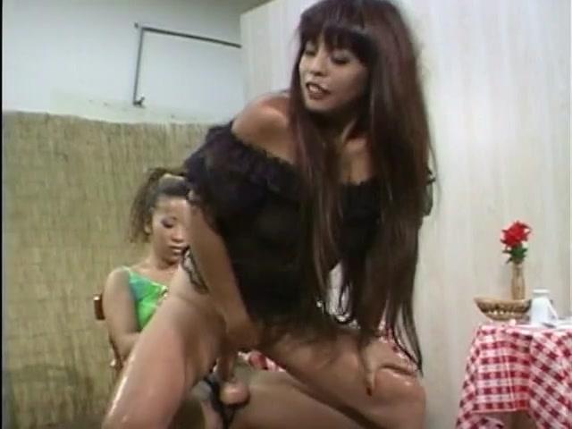 Amateur lesbias closeup masturbation