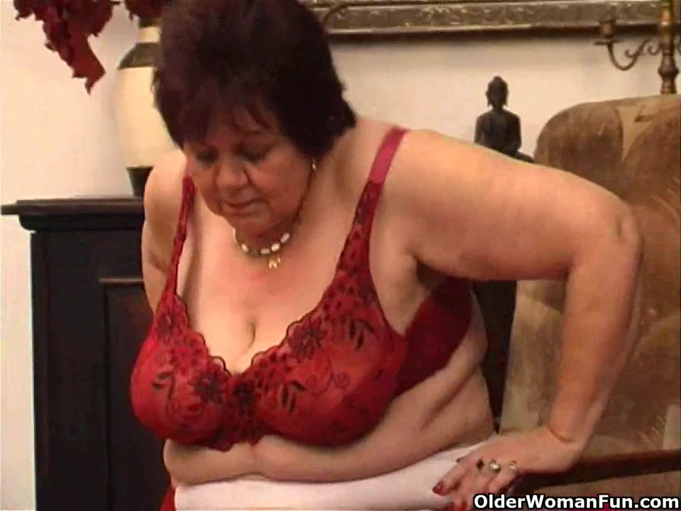 Fat granny bonks her old slit with vibrator upside down deepthroat xxx