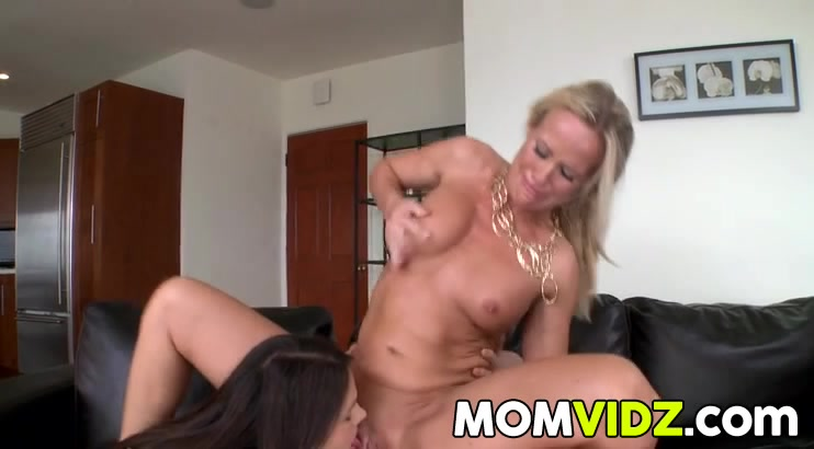 Porno Domination lesbios porne