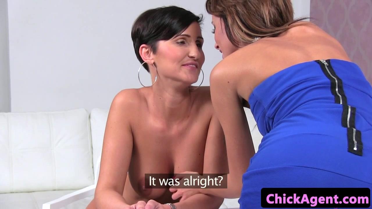 Natural lesbia fucker fuckin