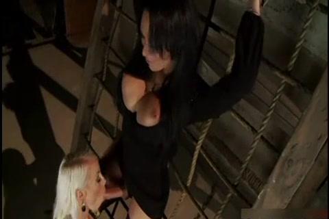 Sexu Maid fucked lesbianas