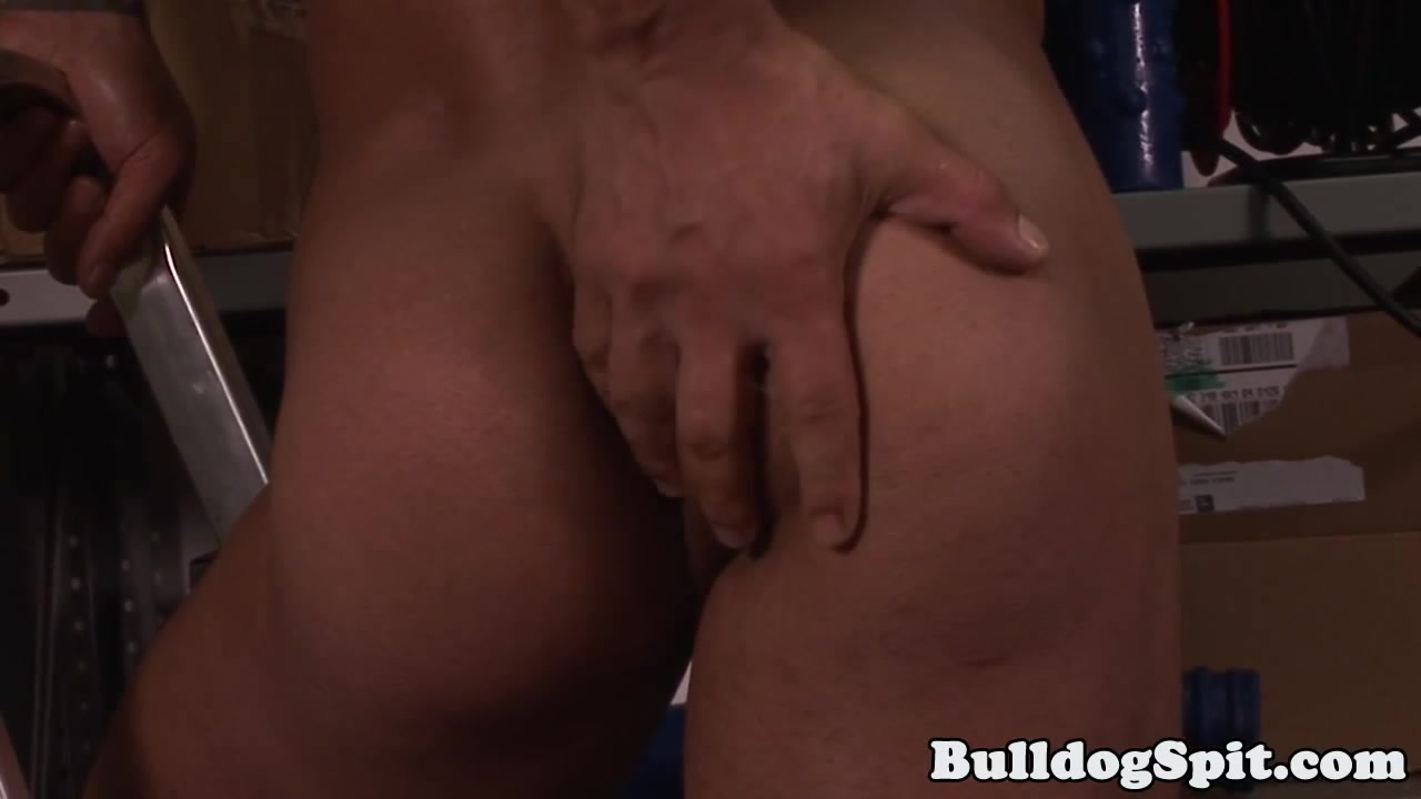 Solo hunk toying his lubed ass while tugging Threesome With Jenna Jameson