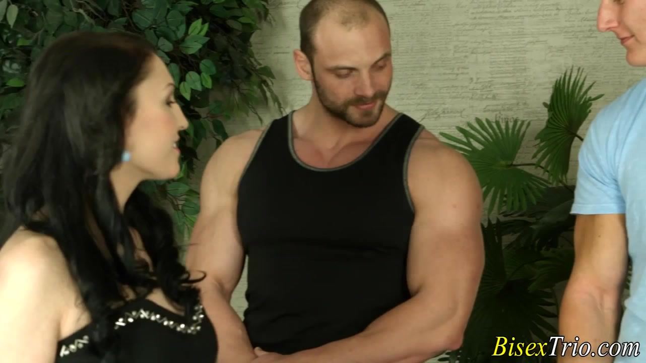 Bisex slut gives blowjob Retro hairy couples