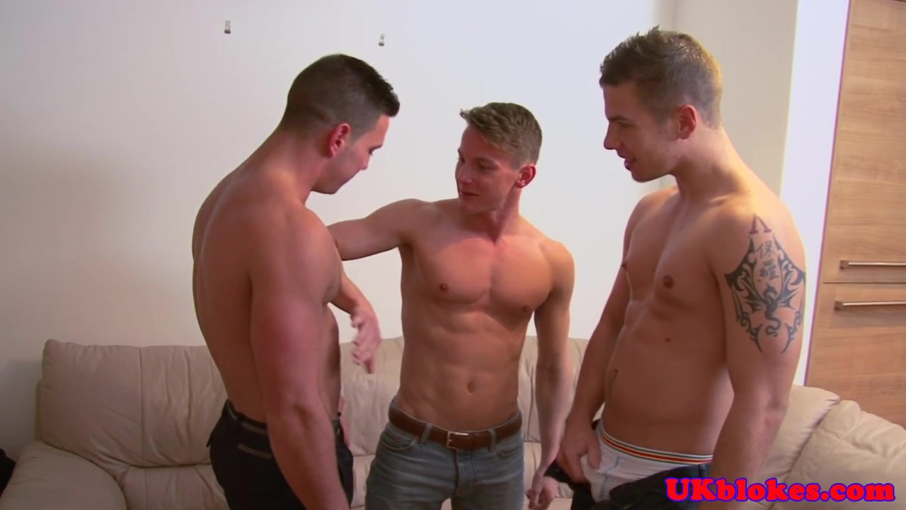 Muscular british studs spitroast young bloke Brunette pornstar glasses