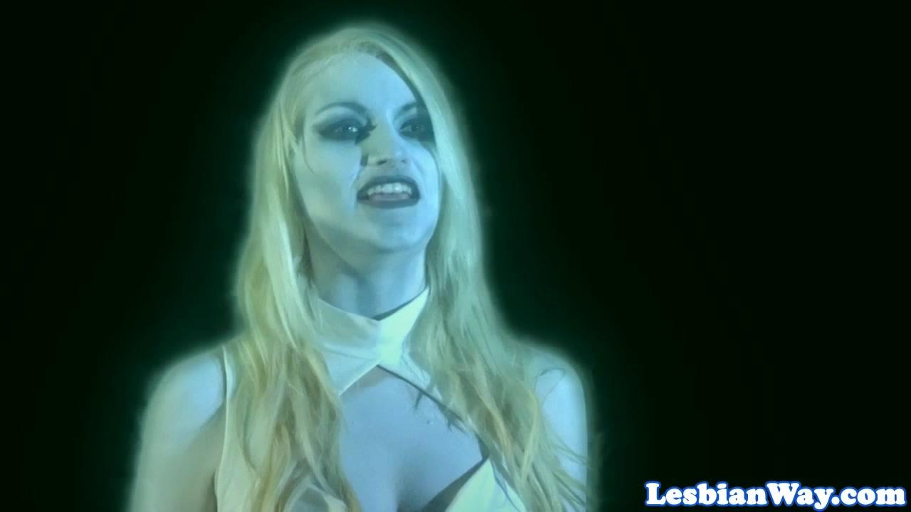 Sexes Piss masturbatian lesbiana