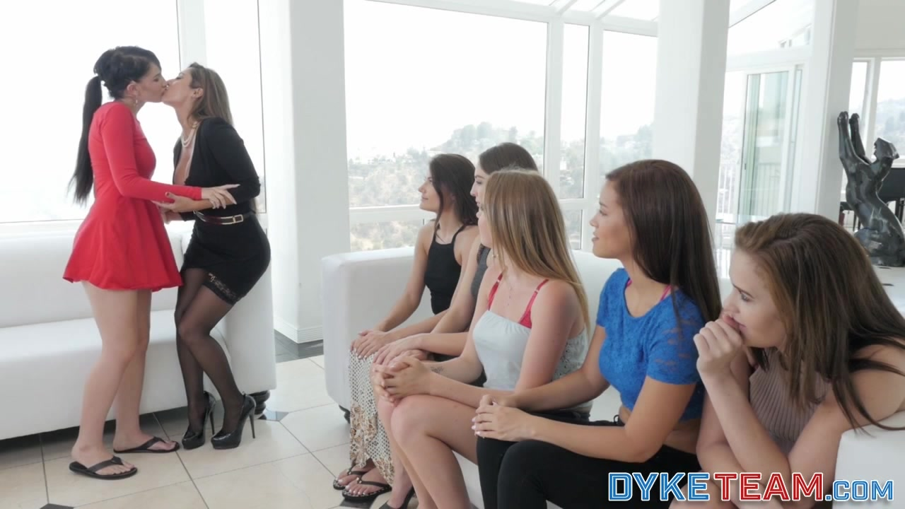 Video girls time First