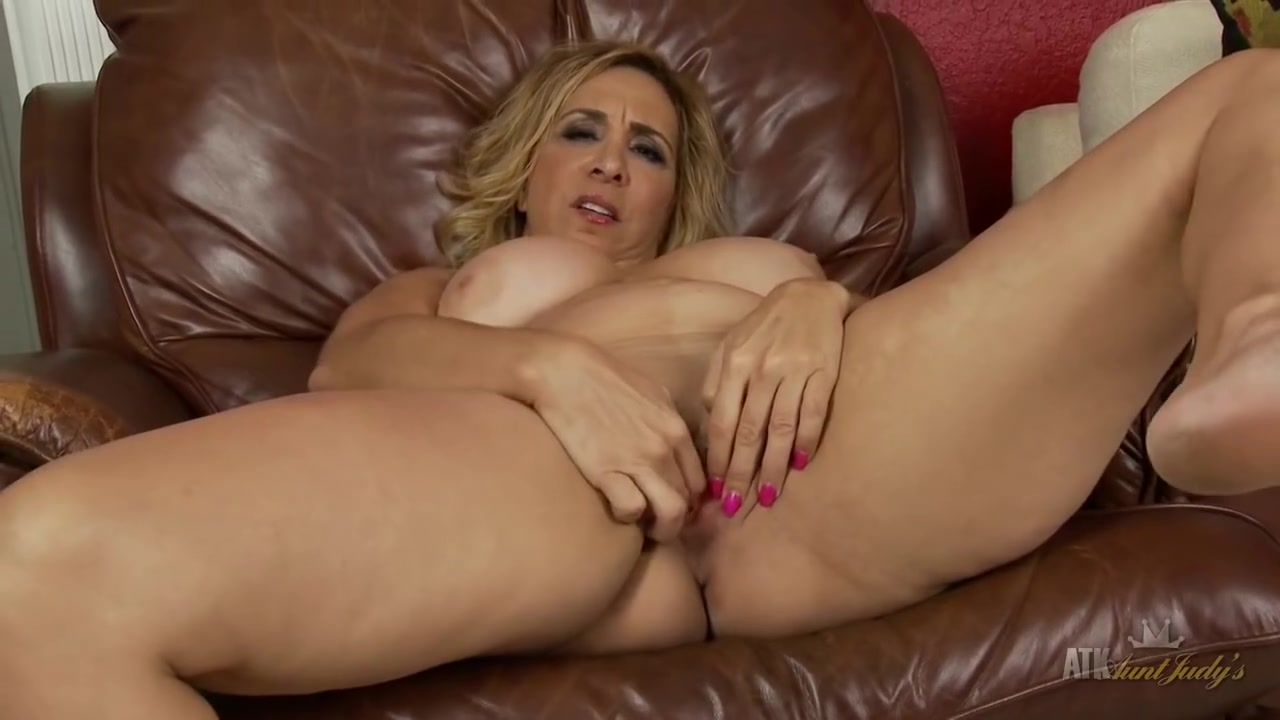 Breasty Older Sophia Jewel acquires immoral Lacey chaberts butt bum ass