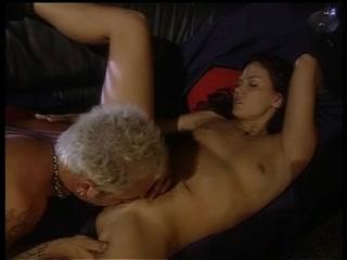 Wife Peeing masturbatian lesbo