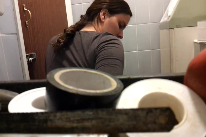 Unsuspecting lady sitting on toilet spied by hidden camera Papua new guinea sex pics