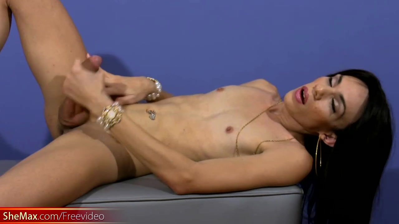 Brunette doll with balls strokes cock with both hands Fat ass wife ficking stranger