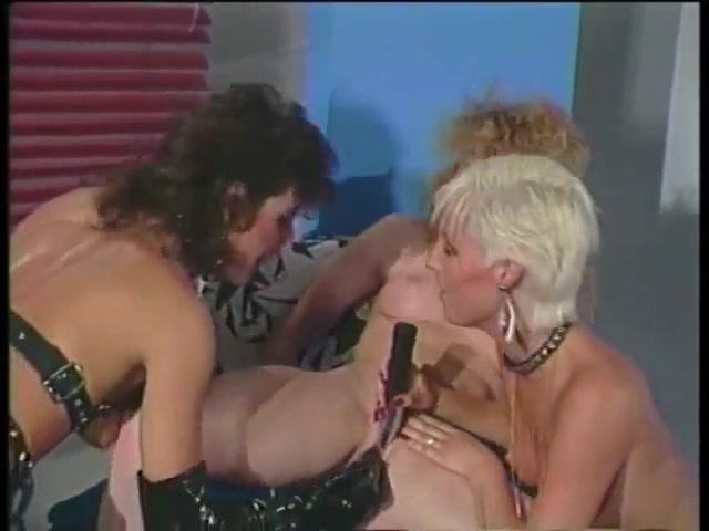 Close orgasm lesbiean Showers