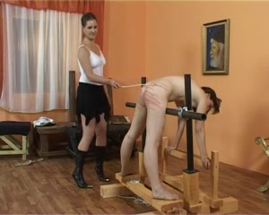 FEAR THE MISTRESS#1 - S&M -B$R naked girls on guys