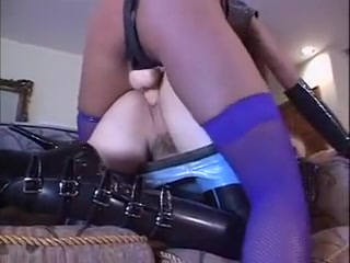 Lesbi fucks naked Squirting