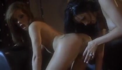 Licking sexi Lingerie lesbianas
