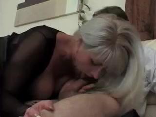 je baise ma voisine Mme Robinson