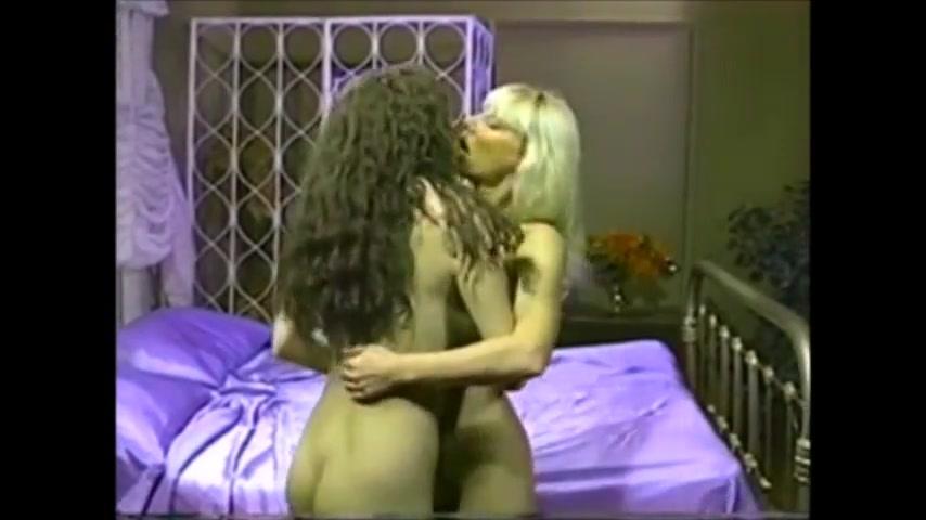 Bisexual porn lesbien Nipples