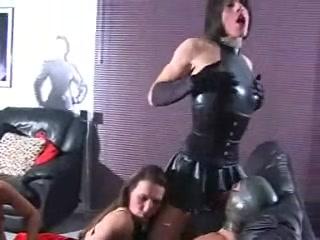 Masturbatian Latex lesbiab fuckk