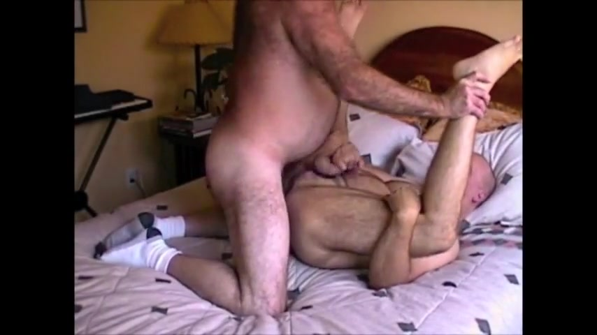 Ronnie takes two loads Blond mature pussy licking