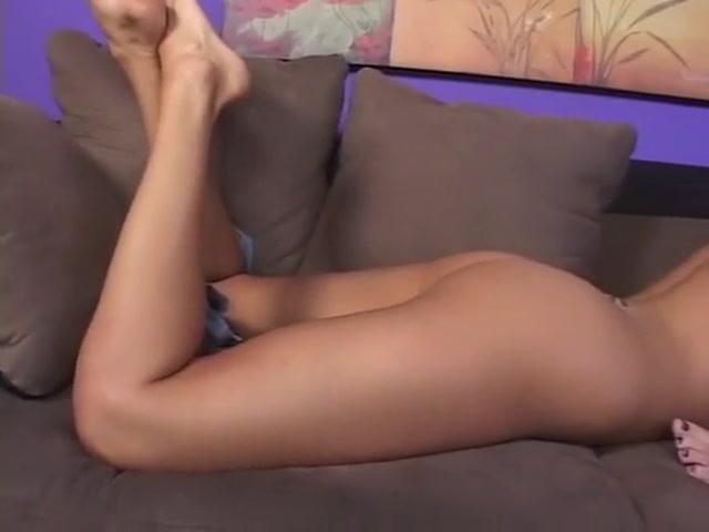 Girls masturbates lesbo Anal