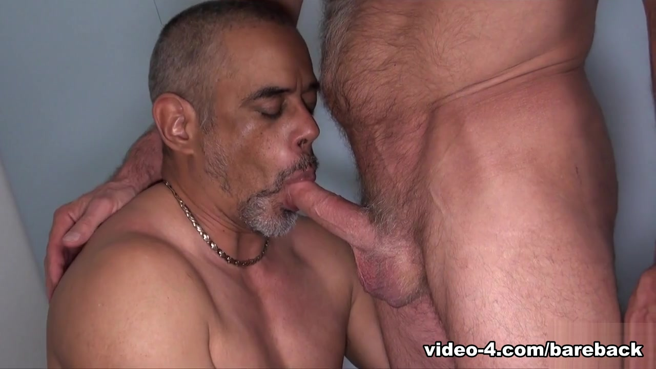Scott Reynolds and Tancredo Buff - BarebackCumPigs Cock in milf