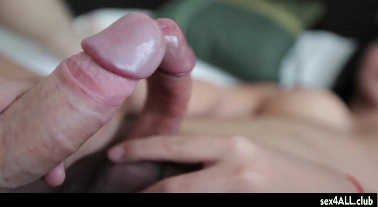 Asian ladyboy enjoys anal fuck and gets jizz