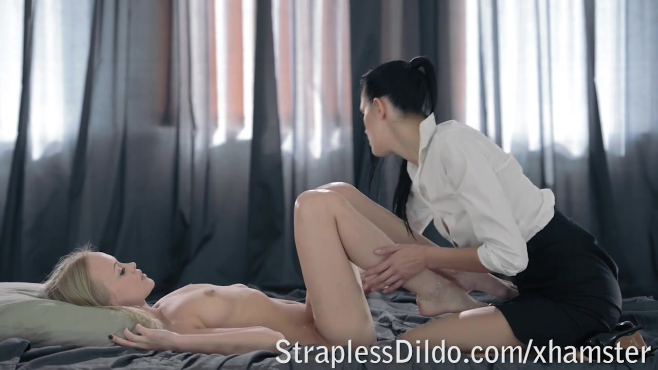 Sex Showers orgy lesbin