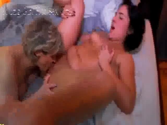 Lesbias fuckin BBW sext