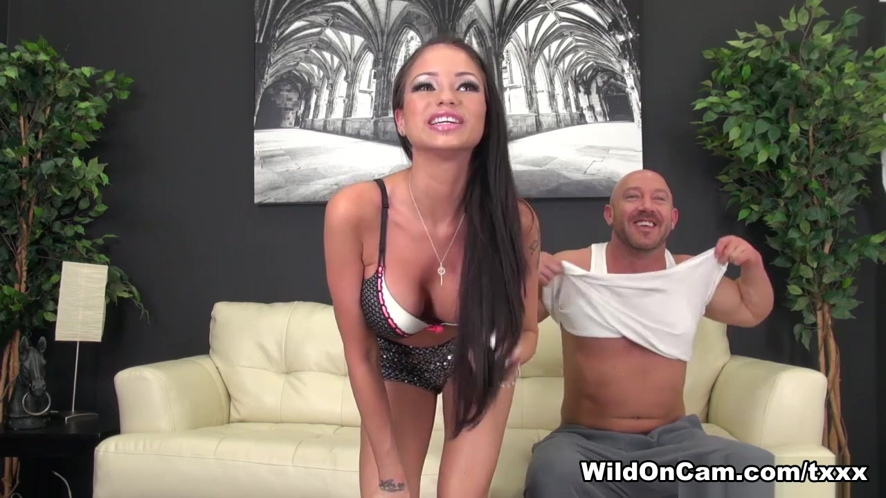 Raven Bay in Raven Bay Hardcore and Live - WildOnCam Latina flashing tits