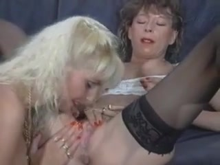 Vids Lesbic pornex fuckin