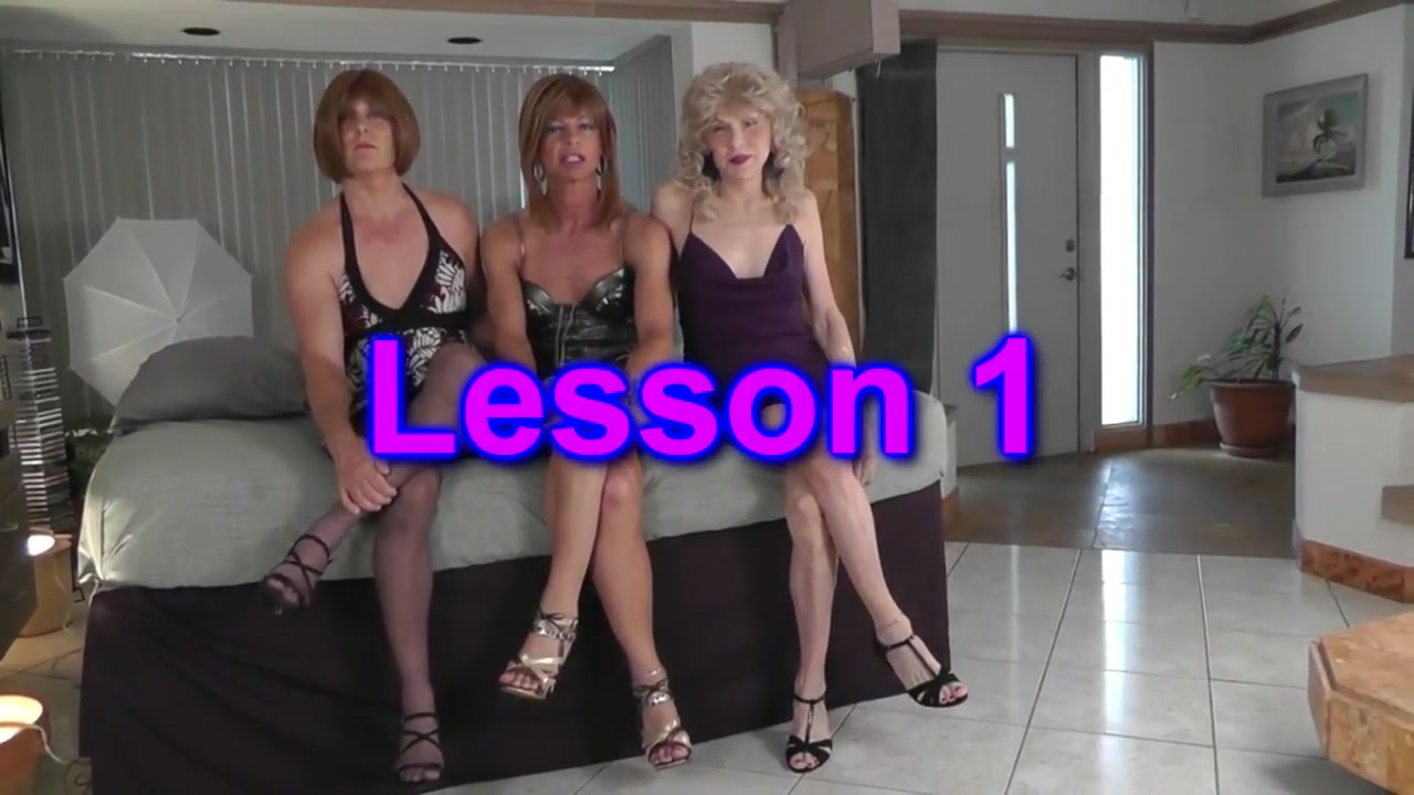 Crossdresser trio - Lesson 1 college majorite showing some ass