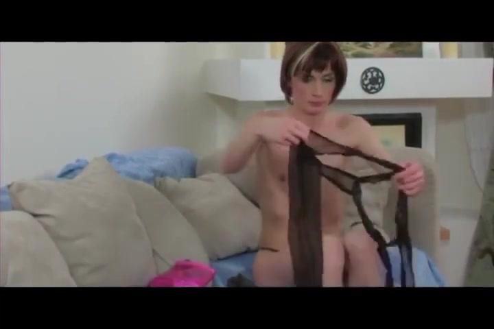 Crossdresser Sex Game Women in very tight spandex